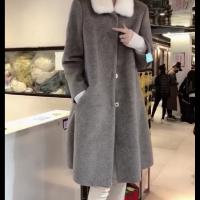 2019新款羊毛颗粒皮毛一体中长女装外套