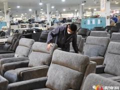 浙江海宁:皮革业恢复生产