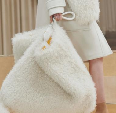 塑料并不时尚:消费者支持天然皮草、皮革和羊毛